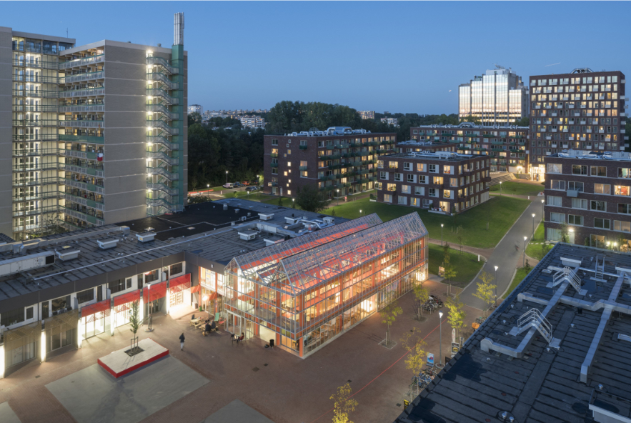 de nieuwe ontmoetingsplek op Uilenstede, ontworpen door architectenbureau NEXT (foto: Ossip van Duivenvoorde)